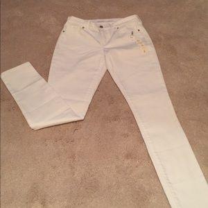 Old Navy White Super Skinny Jeans